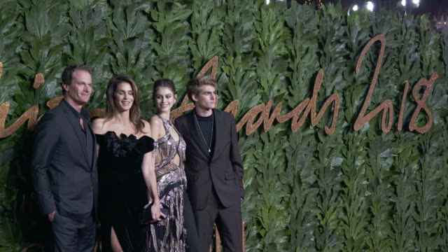 rande gerber, cindy crawford, kaia gerber, presley gerber at the fashion awards 2018 in partnership with swarovski - red carpet at royal albert hall... - cindy crawford stock videos & royalty-free footage