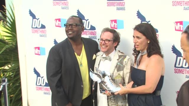 randy jackson, tom calderone at the 2010 vh1 do something awards at hollywood ca. - do something awards stock videos & royalty-free footage