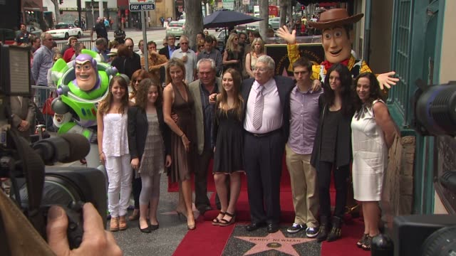 vídeos y material grabado en eventos de stock de randy newman and family at the randy newman honored with a star on the hollywood walk of fame at hollywood ca. - randy newman