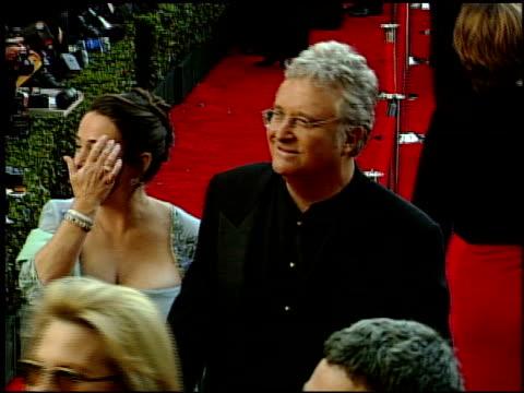 vídeos y material grabado en eventos de stock de randy newman at the 1999 academy awards at the shrine auditorium in los angeles, california on march 21, 1999. - randy newman