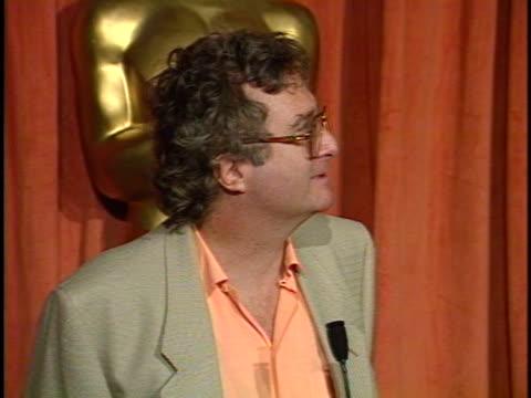 vídeos y material grabado en eventos de stock de randy newman at the academy awards luncheon 1990 at beverly hilton. - randy newman