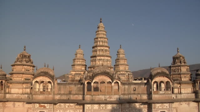 ws rang ji temple / pushkar, rajasthan, india - temple building stock videos & royalty-free footage