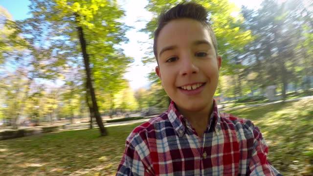 stockvideo's en b-roll-footage met raning - alleen jongens