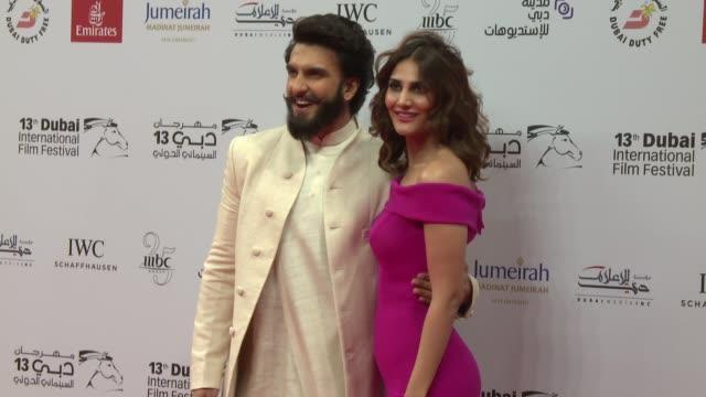 ranveer singh vaani kapoor at 2016 dubai international film festival day 2 at madinat jumeirah on december 8 2016 in dubai united arab emirates - 2日目点の映像素材/bロール