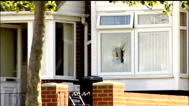 stockvideo's en b-roll-footage met telephone threats by moat played in court lib tyne and wear gateshead scafell in on smashed window at house where double shooting took place close... - tyne and wear