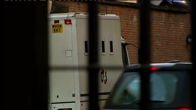 stockvideo's en b-roll-footage met raoul moat's former girlfriend gives evidence at trial tyne and wear newcastle crown court prison van driven away - tyne and wear