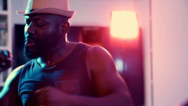 rap ist mein leben - kulturen stock-videos und b-roll-filmmaterial