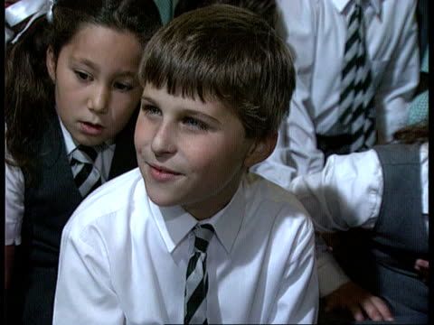 stockvideo's en b-roll-footage met rap music and maths rap music and maths ms schoolchildren rapping and chanting tables ms more ditto cms philippa lumsden intvw sof it is a cross... - carol vorderman