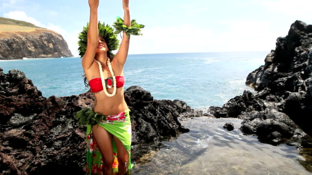 rapa nui woman dancing - polynesian culture stock videos and b-roll footage