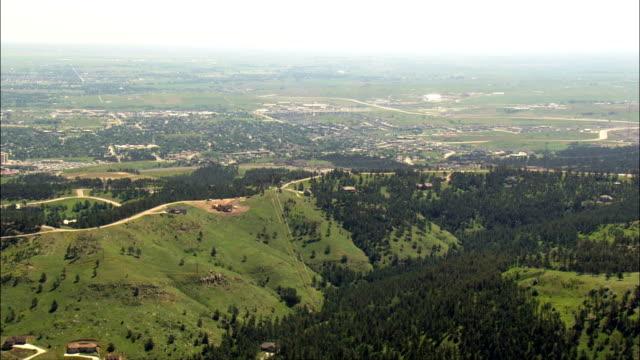vídeos de stock e filmes b-roll de rapid city  - aerial view - south dakota,  pennington county,  united states - rapid city