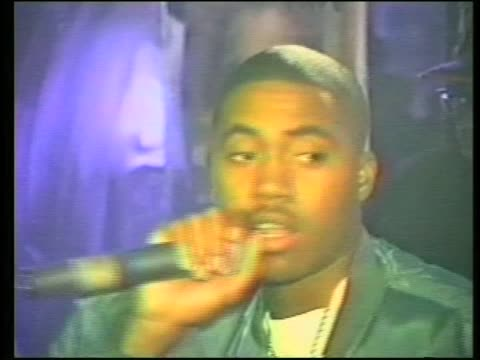 stockvideo's en b-roll-footage met rapper nas performs one love and the world is yours in the bronx - hiphop