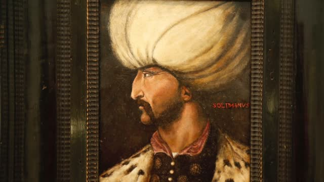 stockvideo's en b-roll-footage met rare 16th-century portrait of suleiman the magnificent, the longest-reigning ottoman sultan, will be presented to collectors' interest on wednesday .... - oostenrijk