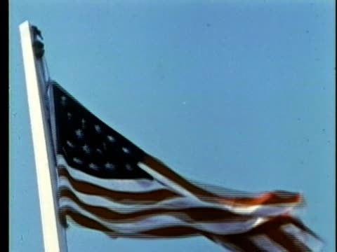 stockvideo's en b-roll-footage met 1963 reenactment ms rasing of the us flag with 27 stars / 1840s republic of texas / audio - manifest destiny