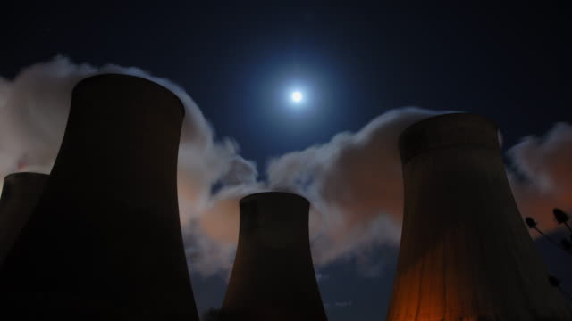 ratcliffe-on-soar power station - cooling tower stock videos & royalty-free footage
