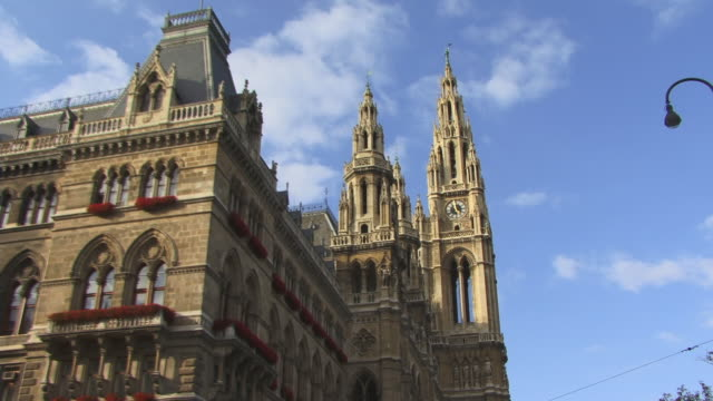 ms, la, zi, rathaus (city hall), vienna, austria - vienna city hall stock videos & royalty-free footage