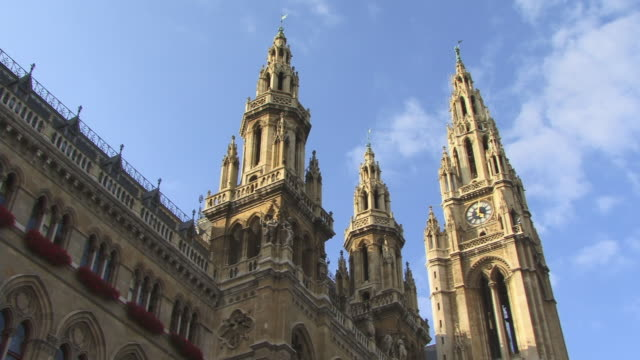 ms, la, pan, rathaus (city hall), vienna, austria - traditionally austrian stock videos & royalty-free footage