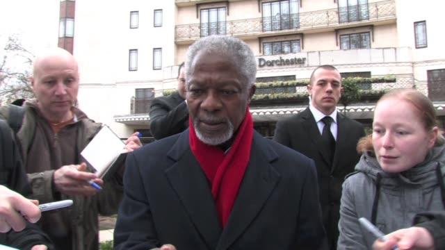 a rather perplexed kofi annan is forced to sign multiple items and pose for pictures with a group of bafta autograph collectors who are convinced the... - morgan freeman stock videos & royalty-free footage