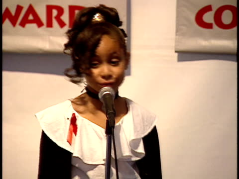 BACKSTAGE RavenSymone raps for reporters