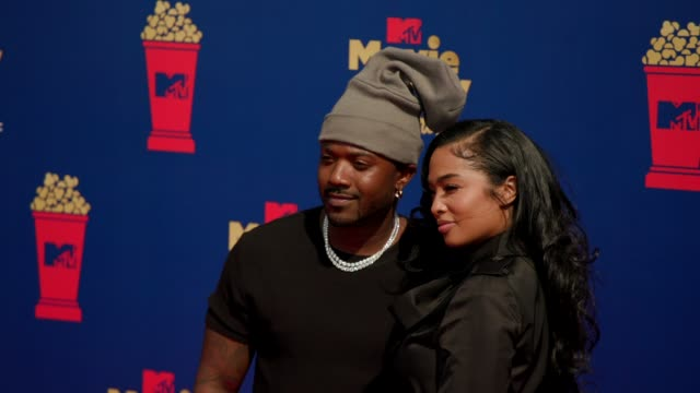 ray j and princess love at the 2019 mtv movie & tv awards at barkar hangar on june 15, 2019 in santa monica, california. - mtvムービー&tvアワード点の映像素材/bロール