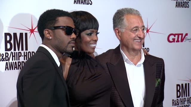 ray j, catherine brewton and del bryant at the 2013 bmi r&b/hip-hop awards - cash money records' bryan 'birdman' williams & ronald 'slim' williams... - ほっそりした点の映像素材/bロール