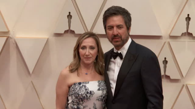 ray romano and his wife anna romano walking the red carpet at the 92nd annual academy awards at the dolby theater in los angeles, california. - music or celebrities or fashion or film industry or film premiere or youth culture or novelty item or vacations 個影片檔及 b 捲影像