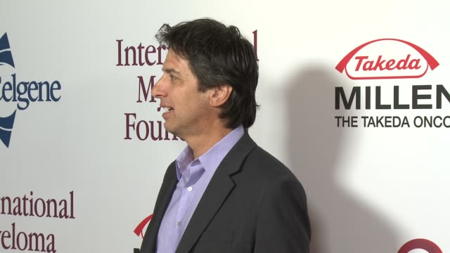 ray romano at international myeloma foundation 7th annual comedy celebration benefiting the peter boyle research fund & supporting the black swan... - peter boyle stock videos & royalty-free footage