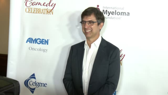 vídeos de stock e filmes b-roll de ray romano at international myeloma foundation's 11th annual comedy celebration benefiting the peter boyle research fund at the wilshire ebell... - wilshire ebell theatre