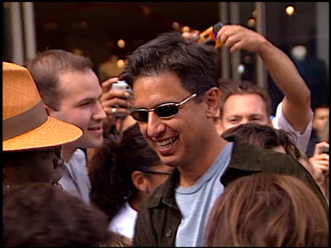 ray romano at the american idol finale at the kodak theatre in hollywood california on september 4 2002 - american idol stock videos & royalty-free footage