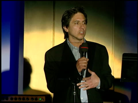 vidéos et rushes de ray romano introduces earth, wind and fire at the 14th annual race to erase themed 'dance to erase on april 13, 2007. - race to erase ms