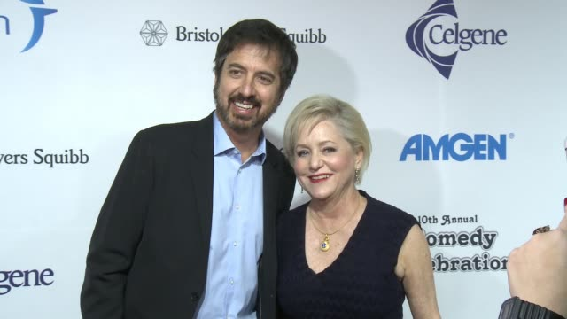 ray romano, loraine alterman boyle at international myeloma foundation's 10th annual comedy celebration benefiting the peter boyle research fund &... - peter boyle stock videos & royalty-free footage