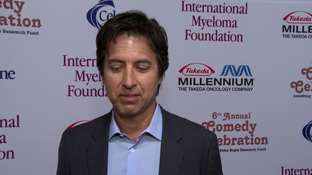 ray romano on hosting this event six years in a row and on a fond memory of peter boyle at international myeloma foundation 6th annual comedy... - peter boyle stock videos & royalty-free footage