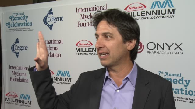 ray romano on peter boyle at international myeloma foundation 7th annual comedy celebration benefiting the peter boyle research fund & supporting the... - peter boyle stock videos & royalty-free footage