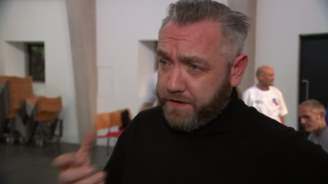 ray winstone coaches veterans ahead of stage debut gary kitching interview sot - ray winstone stock videos & royalty-free footage