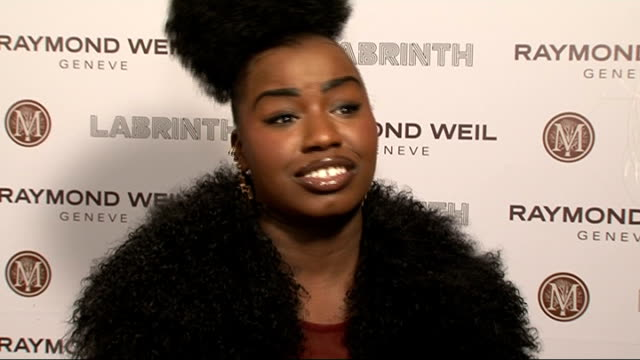 vidéos et rushes de raymond weil and labrinth pre-brit awards dinner.; int micha b interview sot / on being scared to be at celebrity parties / on mix tape / on what her... - television game show