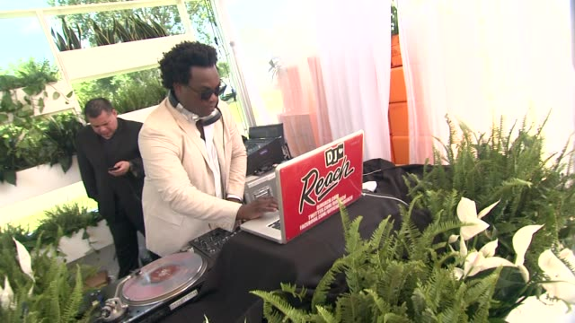 dj reach at the fifth annual veuve clicquot polo classic at liberty state park on june 02 2012 in jersey city new jersey - 動物を使うスポーツ点の映像素材/bロール
