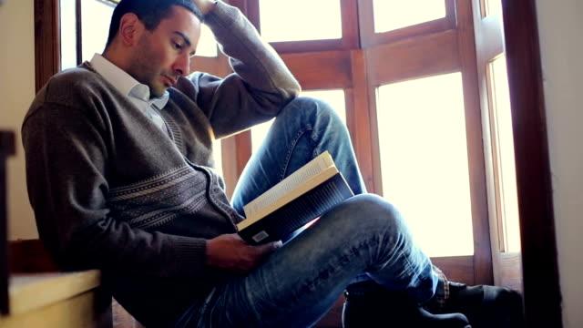 vidéos et rushes de lire un bon livre - couverture de livre