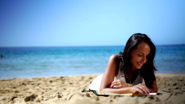 reading on the beach - reading stock videos & royalty-free footage