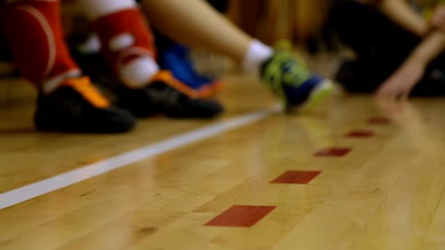 bereit zum spielen - volleyball spielball stock-videos und b-roll-filmmaterial