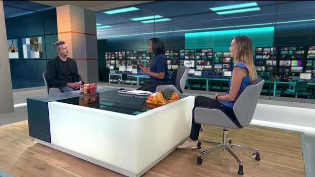 vídeos de stock, filmes e b-roll de ready-made food could be healthier than homemade says study; england: londn: gir: int charlotte stirling-reed and paul lindley studio interview sot - stirling
