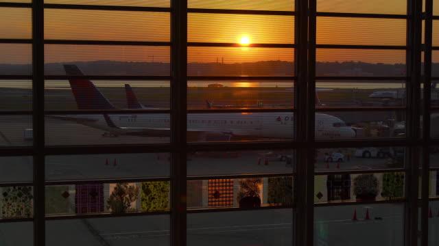 reagan national airport at dawn - ronald reagan washington national airport stock videos & royalty-free footage