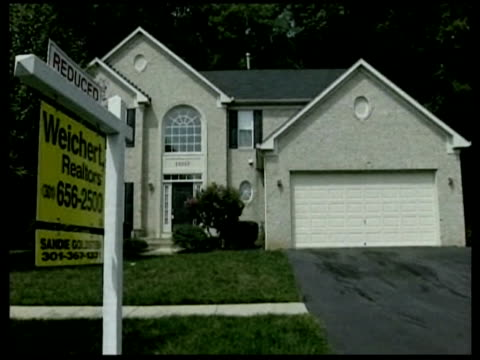 stockvideo's en b-roll-footage met real estate signs during the housing slump / united states - 2008