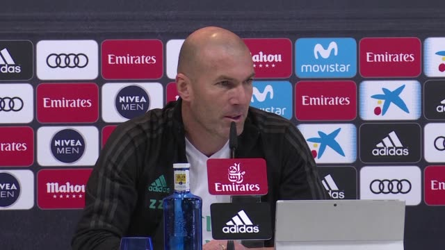 Real Madrid coach Zinedine Zidane responds to rumours that he intends to let go of Spain midfielder Isco saying that he wants the player to stay all...