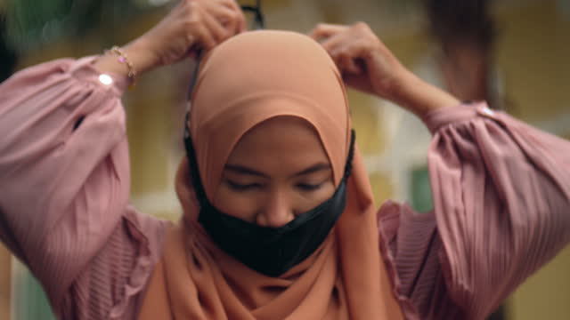 real people : close-up muslim woman - getting dressed stock videos & royalty-free footage