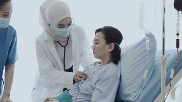tempo reale: busy hospital - apparato respiratorio video stock e b–roll