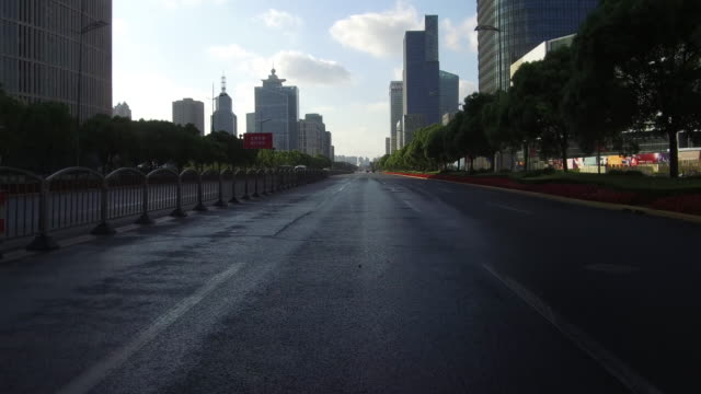 real time car driving in lujiazui financial district, shanghai, china - car point of view stock videos & royalty-free footage