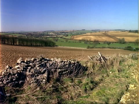 Real time Cotswold stone wall landscape, Burford, Oxfordshire