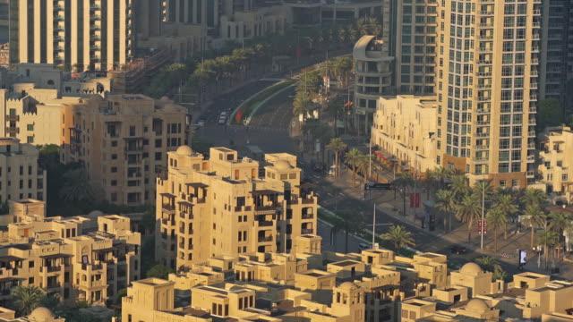 即時迪拜城市交通 - 平坦的 物體描述 個影片檔及 b 捲影像