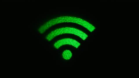 bilder i realtid av grön internetsymbol flimrande - symbol bildbanksvideor och videomaterial från bakom kulisserna