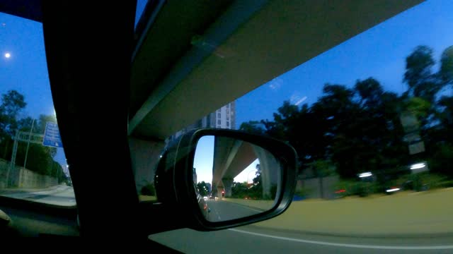 stockvideo's en b-roll-footage met een achterspiegel van een auto die mooie zonsondergang toont - mirror