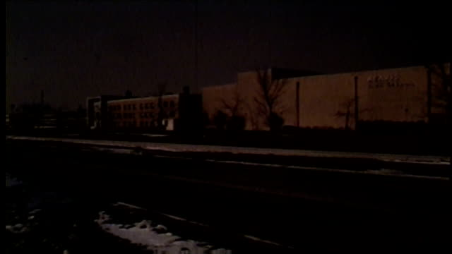 wgn reavis high school exterior in burbank illinois in 1968 - burbank stock-videos und b-roll-filmmaterial